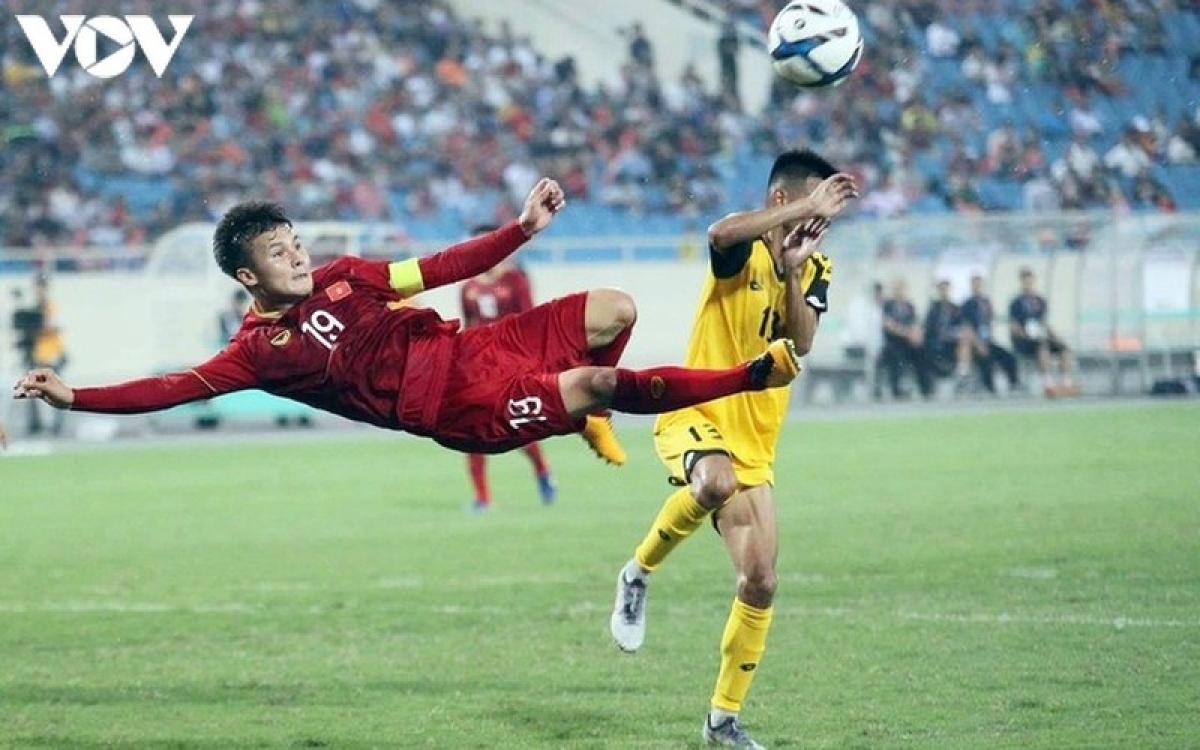 Nguyễn Quang Hải là cầu thủ tuổi Sửu đã góp mặt trong mọi chiến dịch của các cấp độ đội tuyển Việt Nam dưới thời HLV Park Hang Seo. (Ảnh: Dương Thuật)